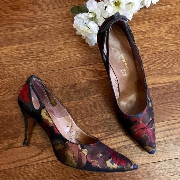 Shoes - vintage Satin brocade heel pumps bow back 9 AA